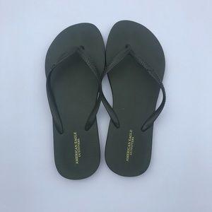 NWOT Olive flip flops